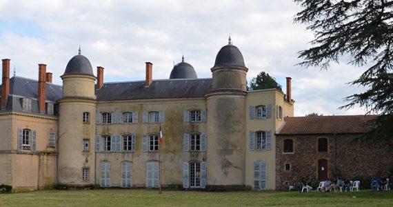 Le château d'Ailly, lieu du CMRDS Camp Maxime Real del Sarte et de l'Université d'Été de l'Action française