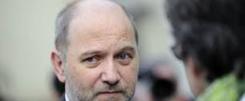 Une députée Insoumise défend le droit de dire «Nique la France» et soulève une bronca