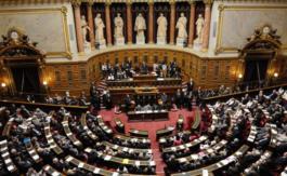Le groupe UMP du Sénat soupçonné d'avoir produit des emplois fictifs àla chaîne