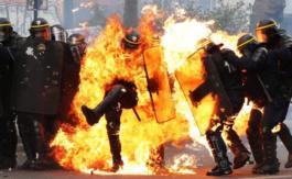 Les «terroristes» de 89 sont toujours là… Ala fête de Jeanne d'Arc àParis et Marseille, par exemple…