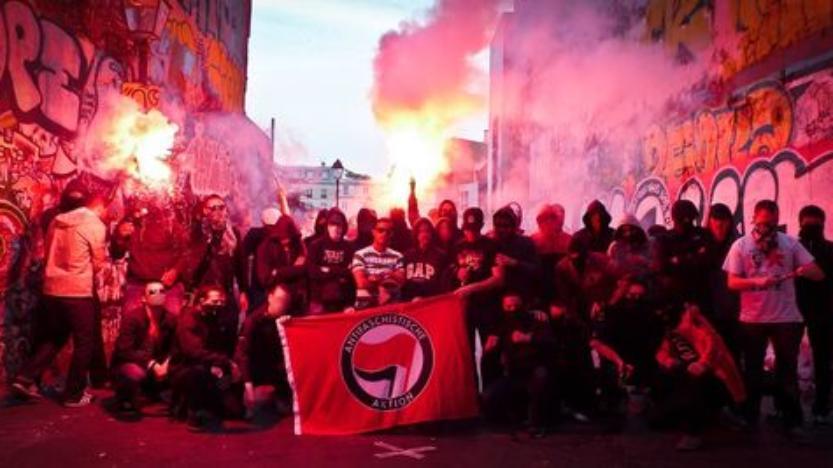 La complaisance envers l'extrême gauche