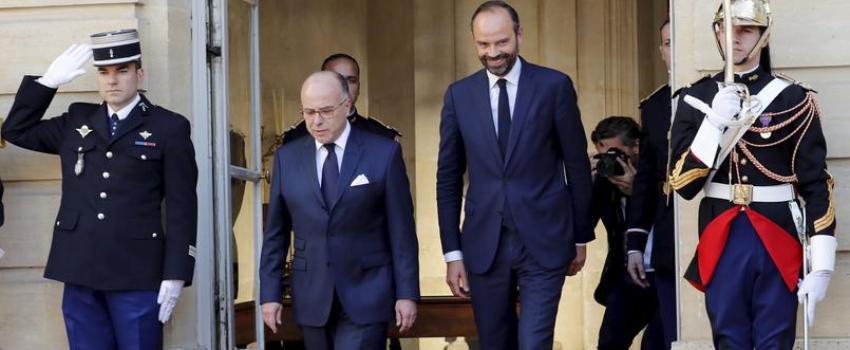 Emmanuel Macron bouscule la droite et défie la gauche