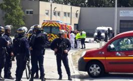 Seize blessés après une bagarre entre migrants à Calais