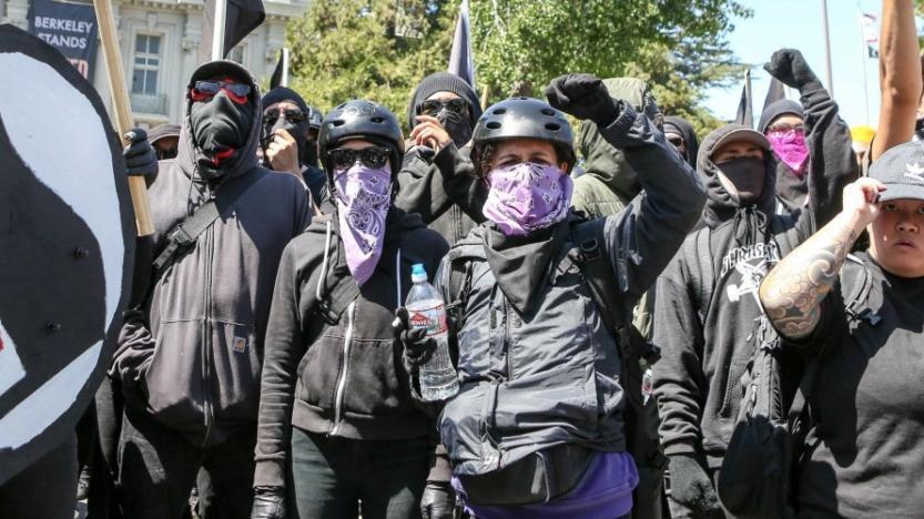 Le maire de Berkeley en Californie veut que les antifas soient classés en tant que gang