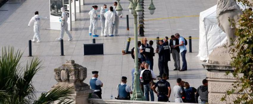 Deux jeunes femmes tuées par un terroriste àla gare de Marseille