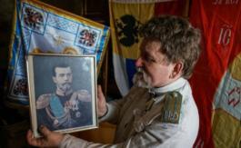 Cent ans après la Révolution, des Russes rêvent d'un retour àla monarchie