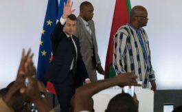 """""""Ne venez pas me faire la morale"""": Macron très cash avec des étudiants burkinabè"""