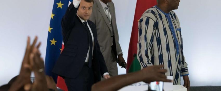 «Ne venez pas me faire la morale»: Macron très cash avec des étudiants burkinabè