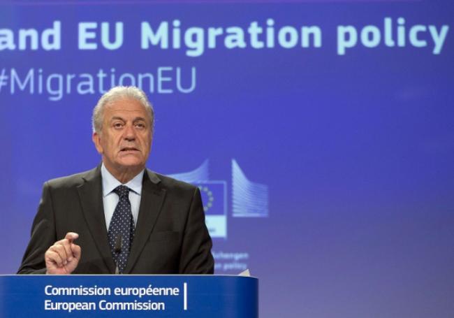 le commissaire Avramopoulos accepte l'immigration massive