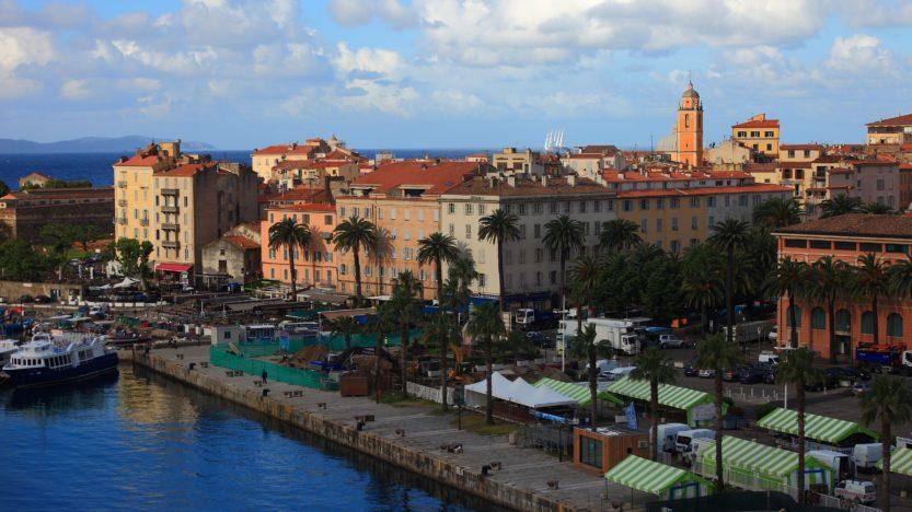 De la Catalogne à la Corse: vers l'éclatement des nations?