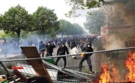 A Paris, les casseurs enflamment le défilé du 1erMai