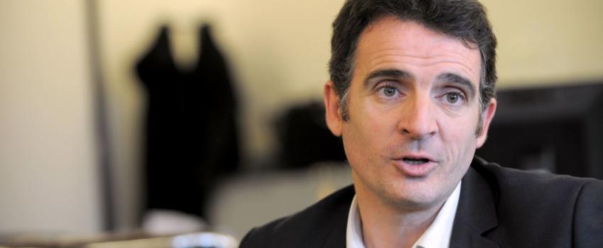 Grenoble: Eric Piolle défend sa politique d'accueil des migrants, le Préfet le recadre