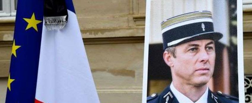 «Terrorisme islamiste»: une plaque hommage àArnaud Beltrame divise