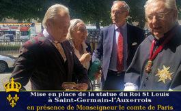 Monseigneur le comte de Paris rend hommage au Roi Saint Louis