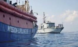 Pourquoi la manœuvre de sauvetage du Lifeline avec 233 migrants àbord est contestée