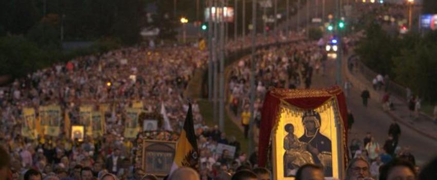 Russie: 100 ans après, la commémoration du dernier tsar réunit 100.000 personnes