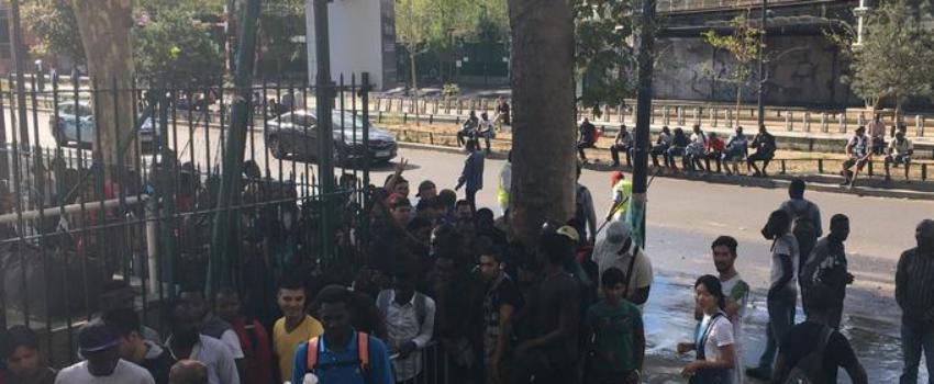 Paris: «Situation explosive» pour les migrants de la Porte de la Chapelle