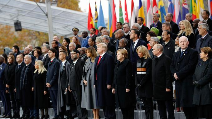 Le président serbe humiliév par Macron. Discount Nike Nike Basketball Chaussures  Nike Air Max ... 3b2df5760c23