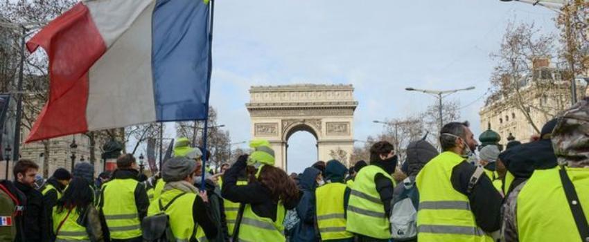 Gilets jaunes: Edouard Philippe exclut finalement l'immigration du futur débat national