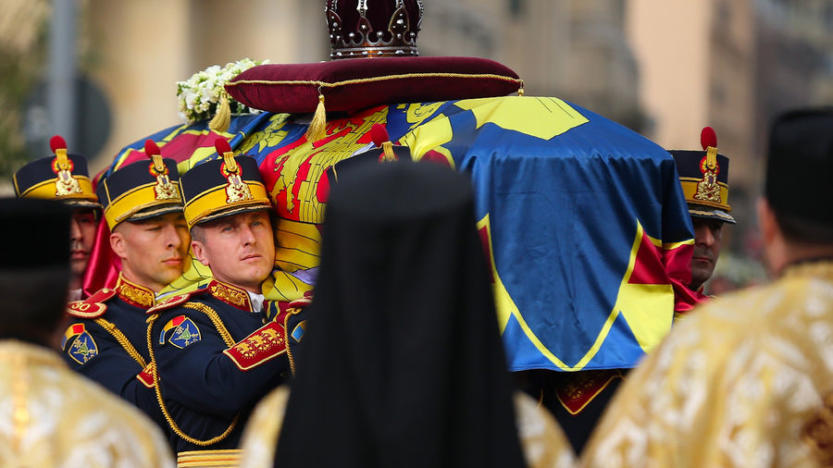 Vive émotion aux obsèques de Michel Ier, ex-roi de Roumanie