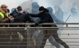 Christophe Dettinger veut porter plainte pour «injure raciale» contre Emmanuel Macron