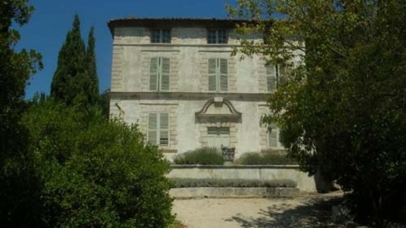 """En vidéo, puisque la Mairie communiste l'interdit """"en vrai"""": lafautearousseau vous invite à visiter le Jardin de la Maison de Maurras à Martigues"""