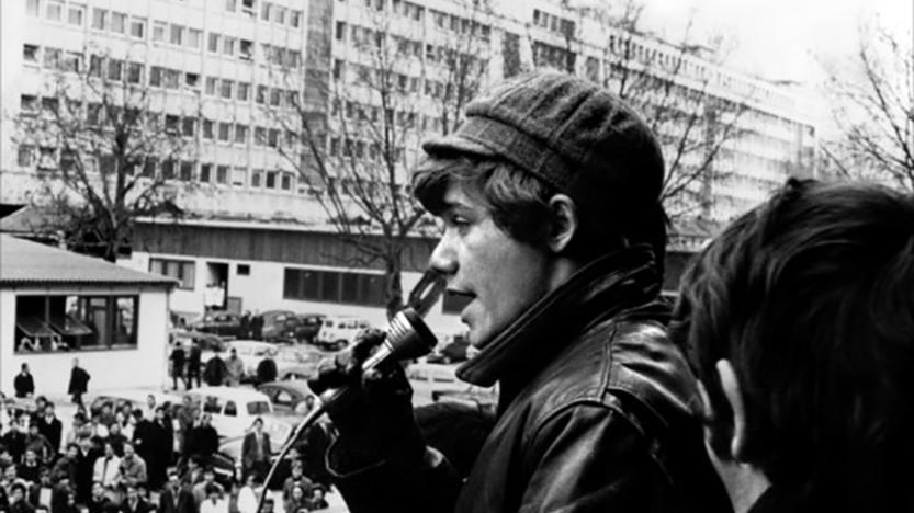 Mourir à trente ans de Romain Goupil (1982), La nostalgie, camarades!