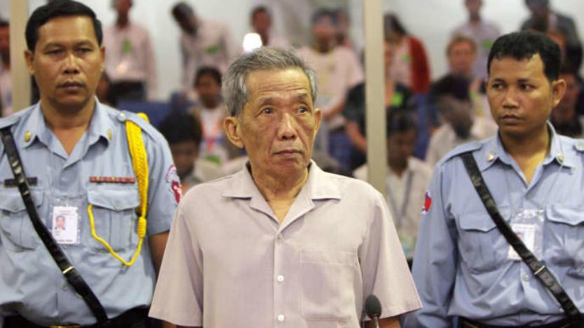 GAVROCHE HEBDO Cambodge – ÉDITORIAL: Douch est mort, il reste Khieu Samphan