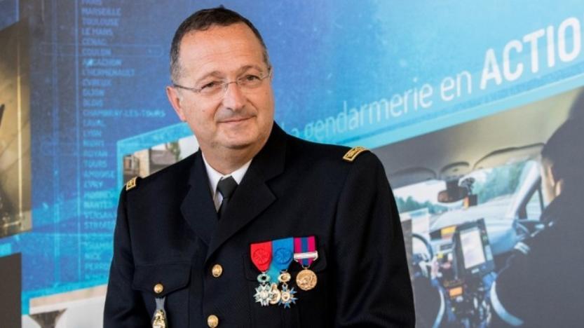 Affaire Traoré – Le patron de la gendarmerie réagit en soutenant ses troupes