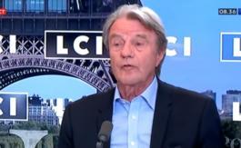 Bernard Kouchner part en guerre contre les traîtres