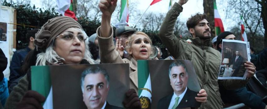 L'Iran en proie àdes manifestations monarchistes