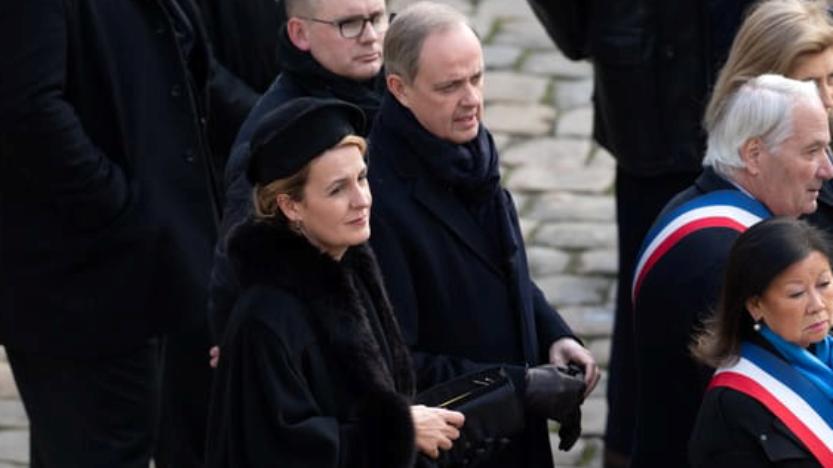 Le comte et la comtesse de Paris, ont participé àl'hommage national célébré aux Invalides