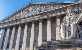 Le «passeport sanitaire» envisagé par M. Macron, institue une discrimination inacceptable entre Français