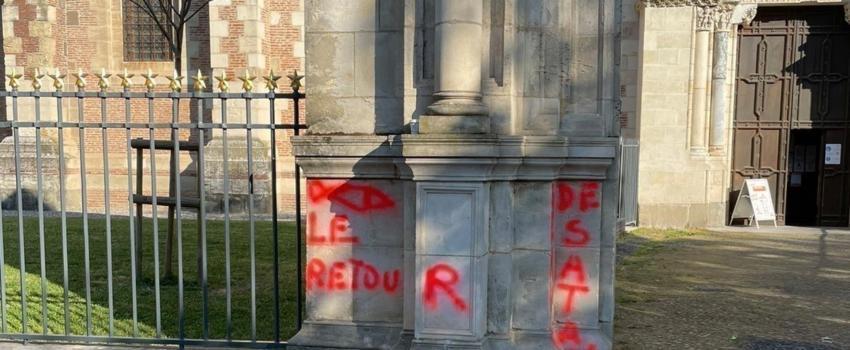 Toulouse: des tags antichrétiens sur la basilique Saint-Sernin.…