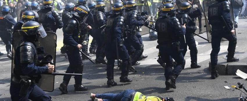 Violence policière légitime? Onfray araison