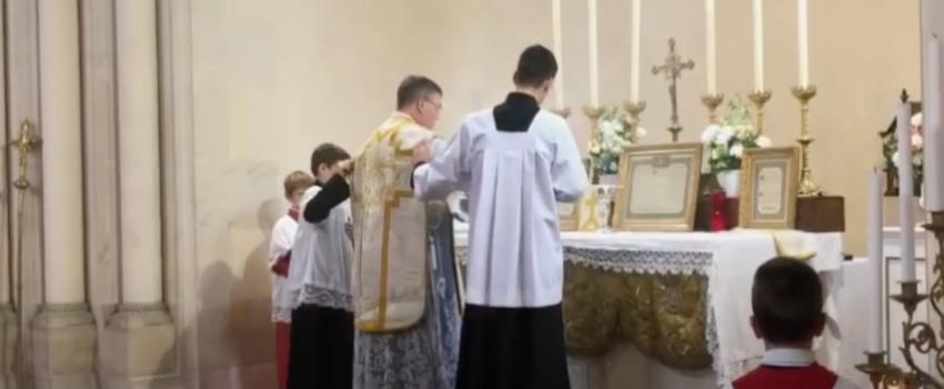 «Expulsion» de la Fraternité Saint-Pierre àDijon: les fidèles montent au créneau